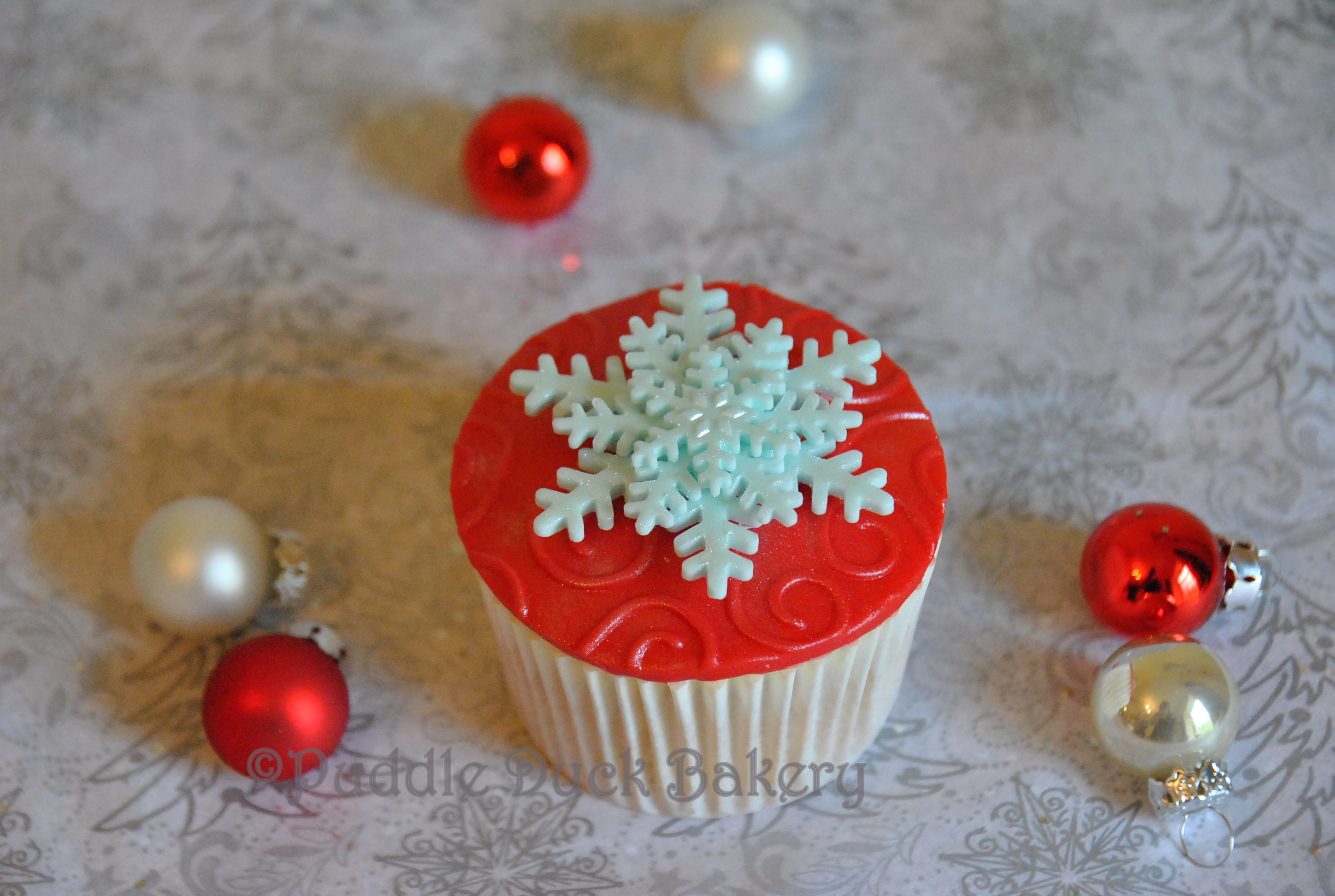 A star on a christmas cupcake